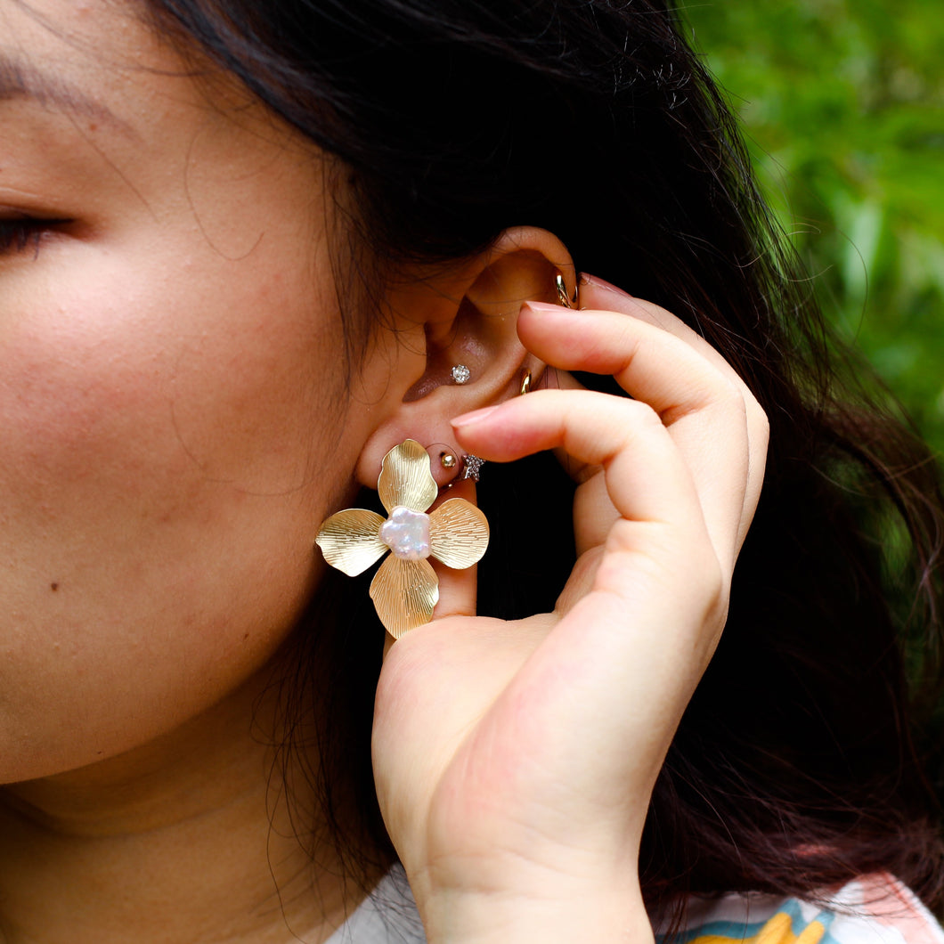 The Girl with the Pearl Flower Earrings