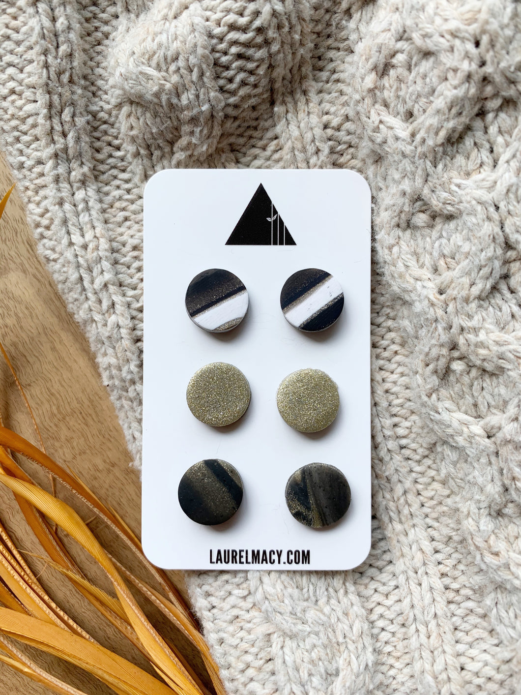 Black and Marble of 3 Polymer Clay Studs
