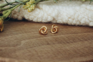 Knotted Stud in Gold