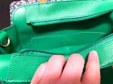 Load image into Gallery viewer, Paradiso Messenger Bag in Green