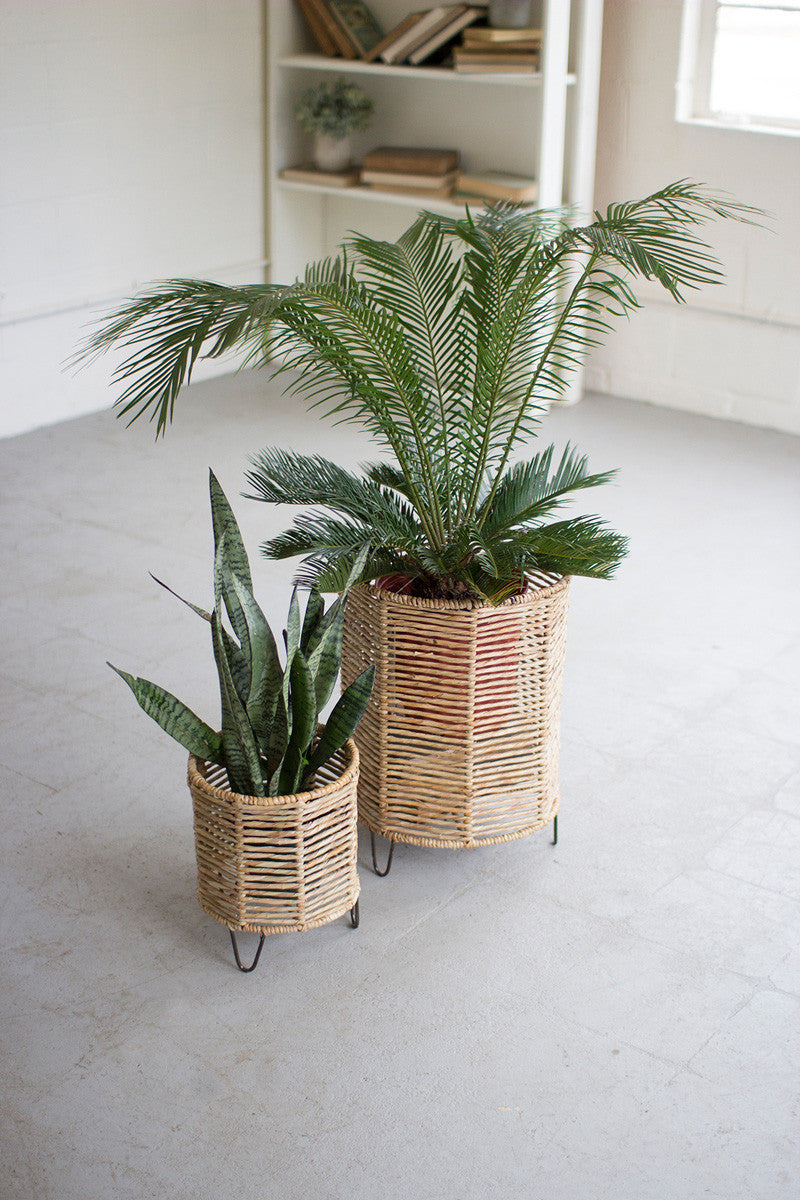 Woven Rush and Iron Basket/Planter-sm