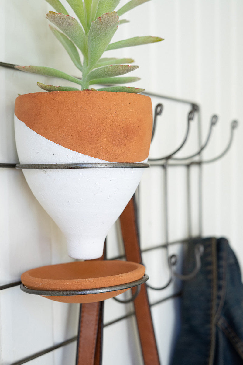 Entryway Coatrack With Clay Planter
