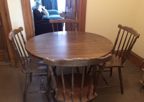 Vintage round Dining Table  - to have it painted please contact me to discuss what you would like.