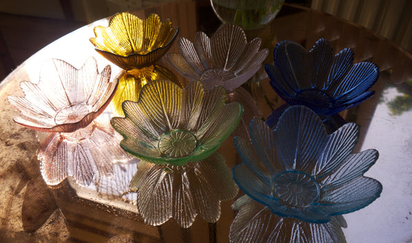 Set of six vintage 1950' glass dessert bowls in rainbow colours