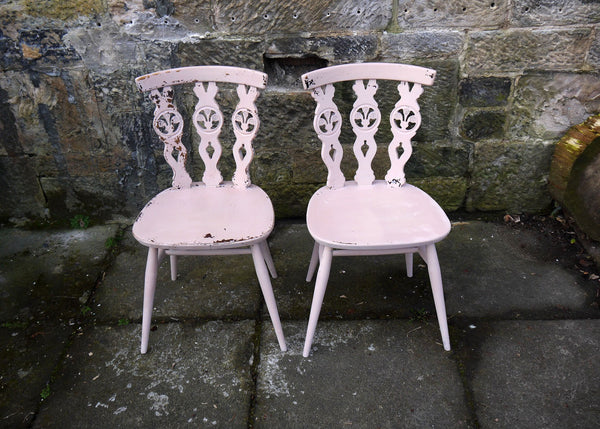 These Ercol dining chairs are finished in a super chippy Miss Mustard Seed finish in Arabesque. £55 each available now