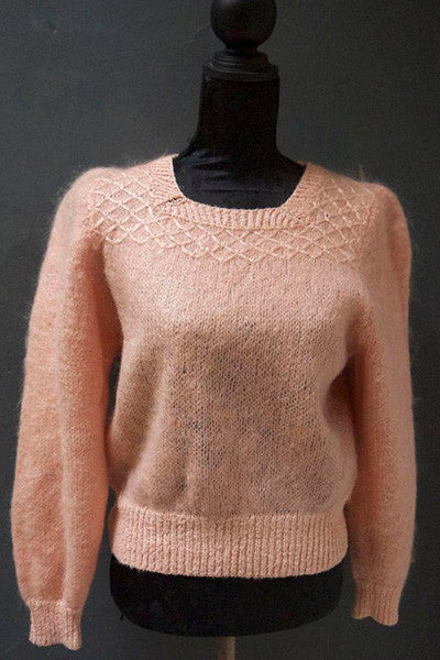 Vintage 1980s peach fluffy mohair jumper UK size 14