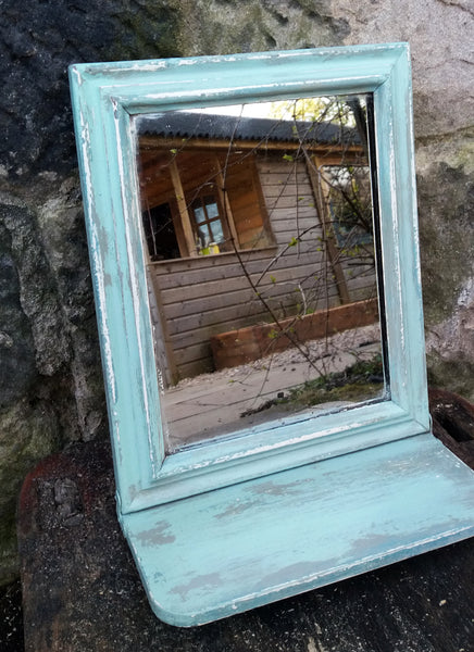Vintage bathroom shaving mirror painted in layers of Fusion Mineral Paint