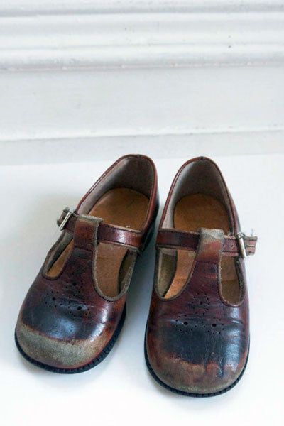 Vintage children's brown leather school shoes UK size 6 from Emily Rose Vintage