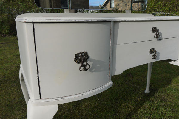 Vintage dressing table in Miss Mustard Seed Milk Paint Linen by Emily Roase Vintage