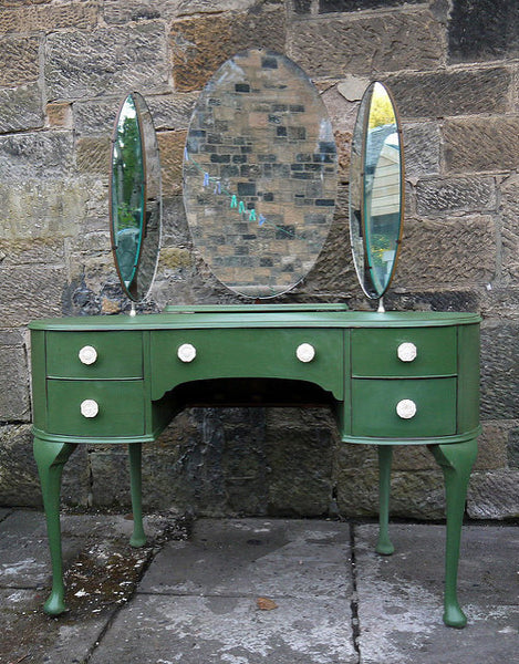 Vintage dressing table in miss mustard seed milk paint boxwood green
