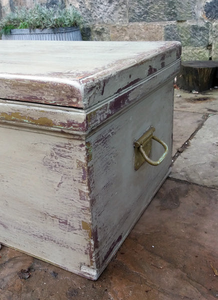 Vintage painted wooden chest trunk coffe table