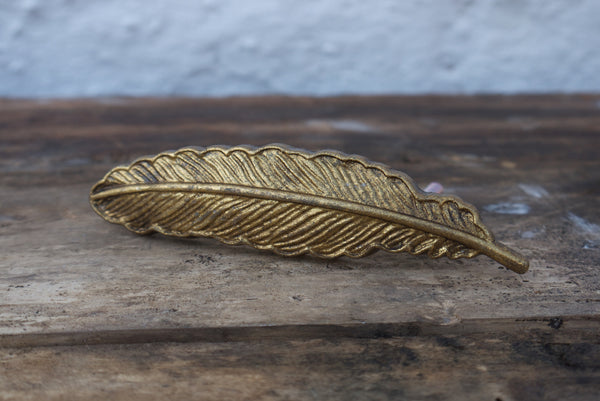 Golden Feather Vintage style metal drawer knob