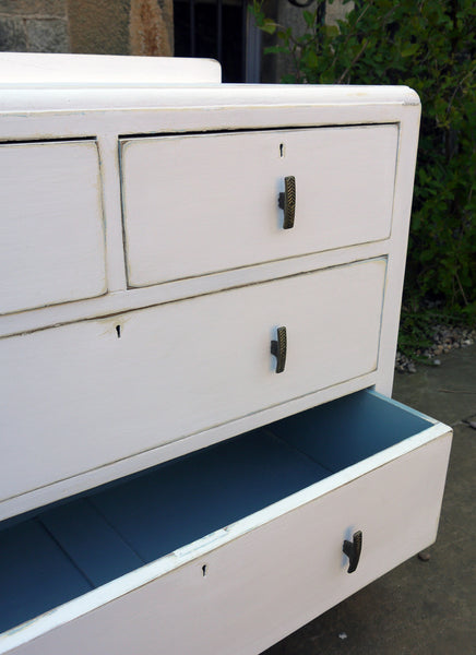 hand painted chest of drawers in fusion picket fence