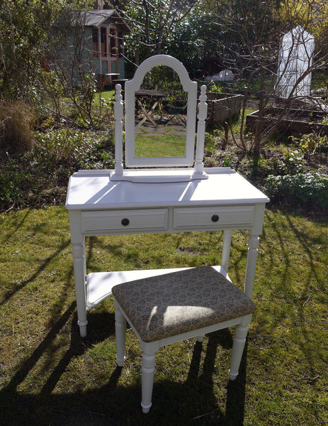 vintage dressing table in farrow and ball ammonite