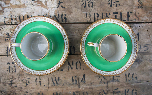vintage set of 2 green and gold tea / coffee cups. in lovely condition, tea for 2.