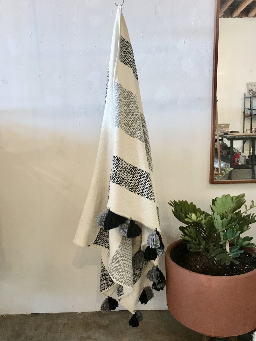 Media Diamante Throw in Cotton/Wool blend