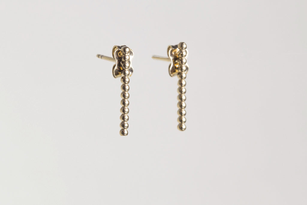 side view of the of the bubbly stick studs