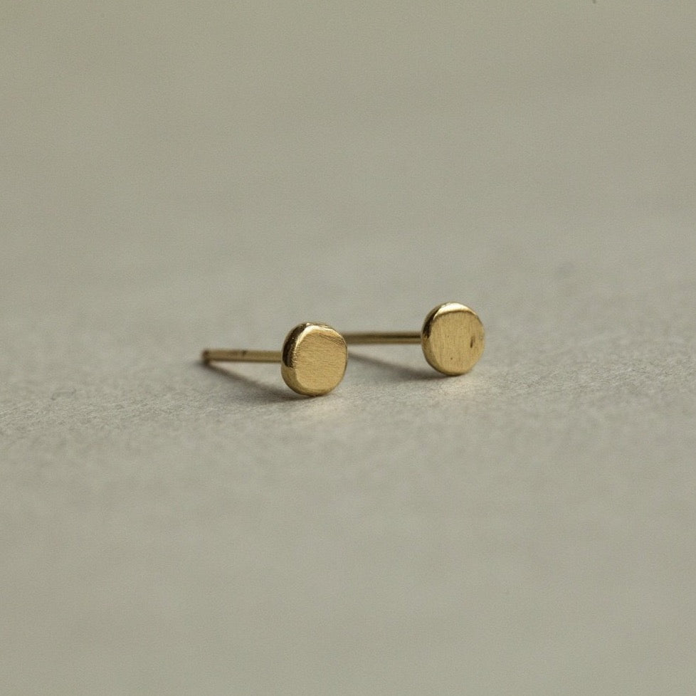 Corinne Hamak Round Flat Dab Xilitla Stud Earrings