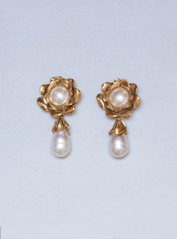 Vintage Gold Flower Clip-on Earrings with Pearls
