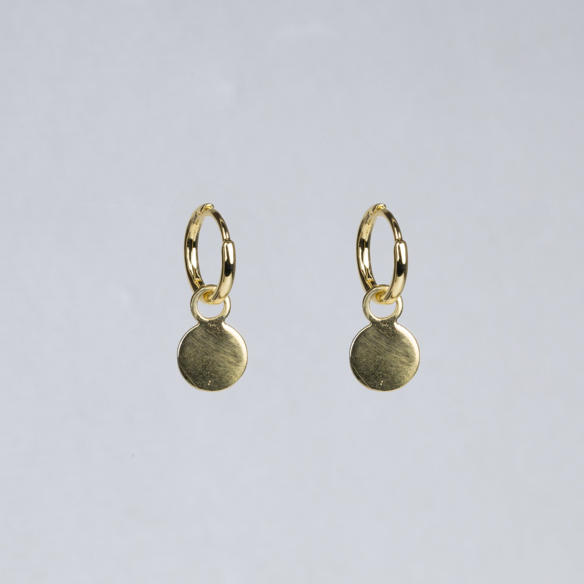 Charmed Hoop Earrings - Disc in yellow gold