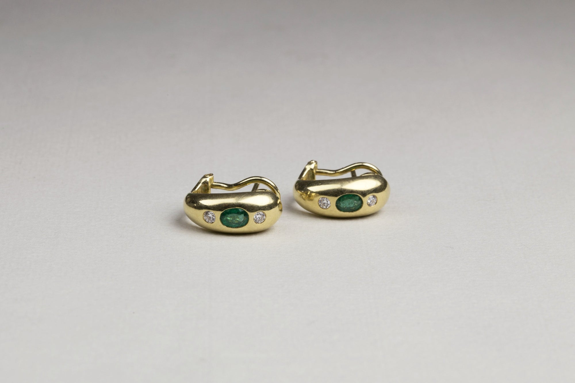 Vintage 18ct Gold Earrings with Emerald and Diamonds