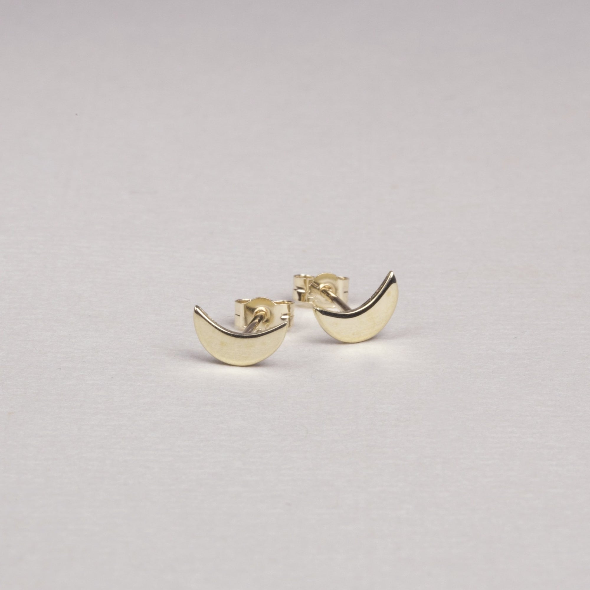 9ct Gold Crescent Studs