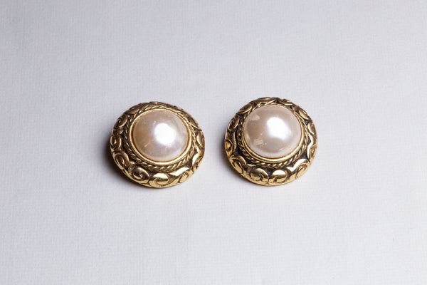 Vintage Chanel Clip-on Earrings with Pearls