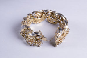 Gold Tone Bracelet with Rhinestones