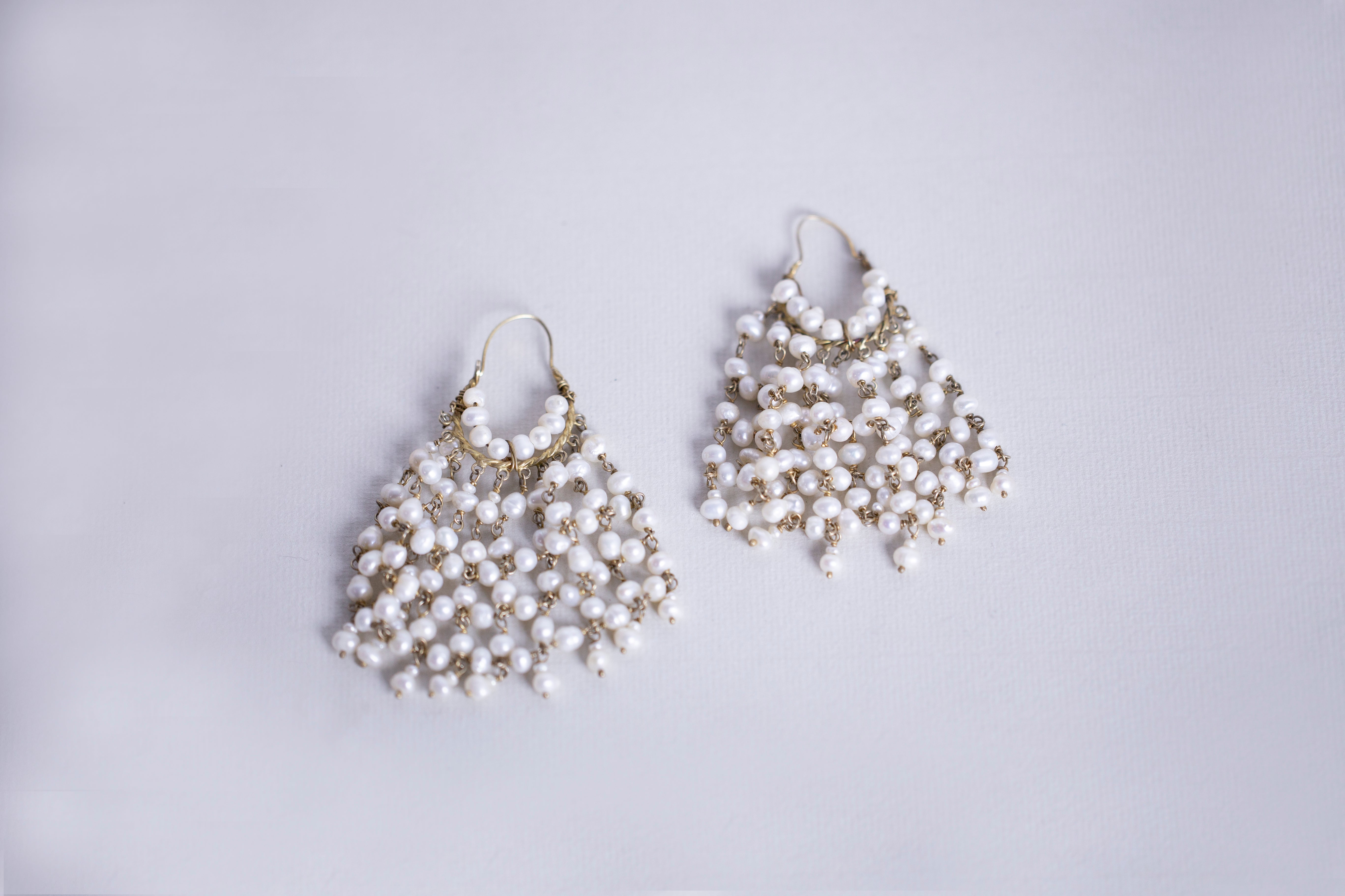 Gold Plated Wire Earrings with Pearls