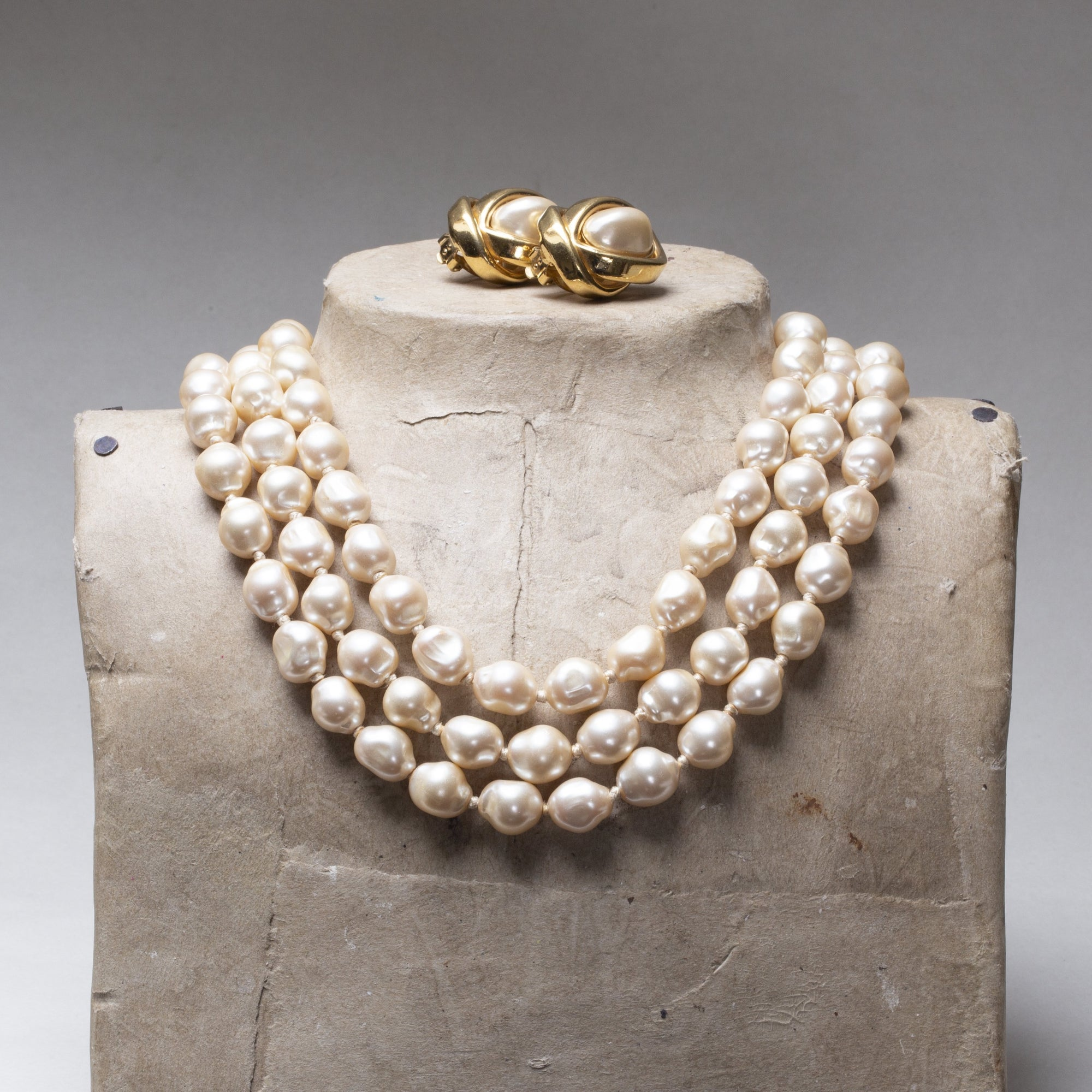 Vintage Pearl Necklace with Gold Clasp and Earrings
