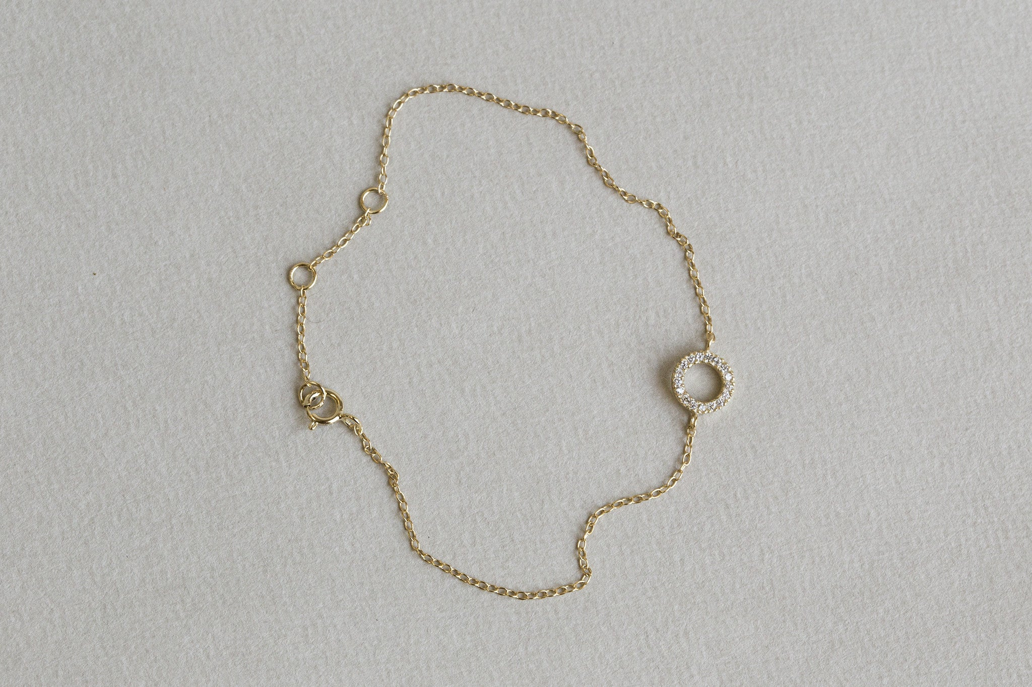 our favourite crystal bracelet embracing everything felt is about - simplicity and elegance