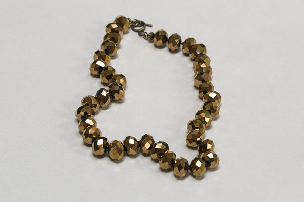 the beads are faceted and give incomparable shine