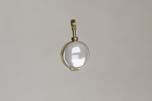 everything about this locket screams gorgeous - the playfulness of the design, the elegant look and its fantastic history