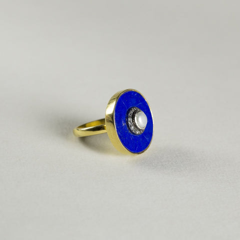 felt Lapis Lazuli Ring with Pearl and Diamond Middle