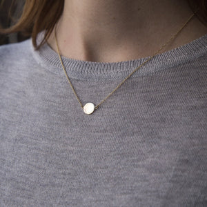 lovely plain disc necklace for modern girl