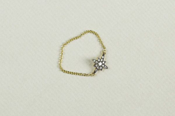 incredibly innovative chain ring - with the same charming starburst pendant to match the Sirius necklace