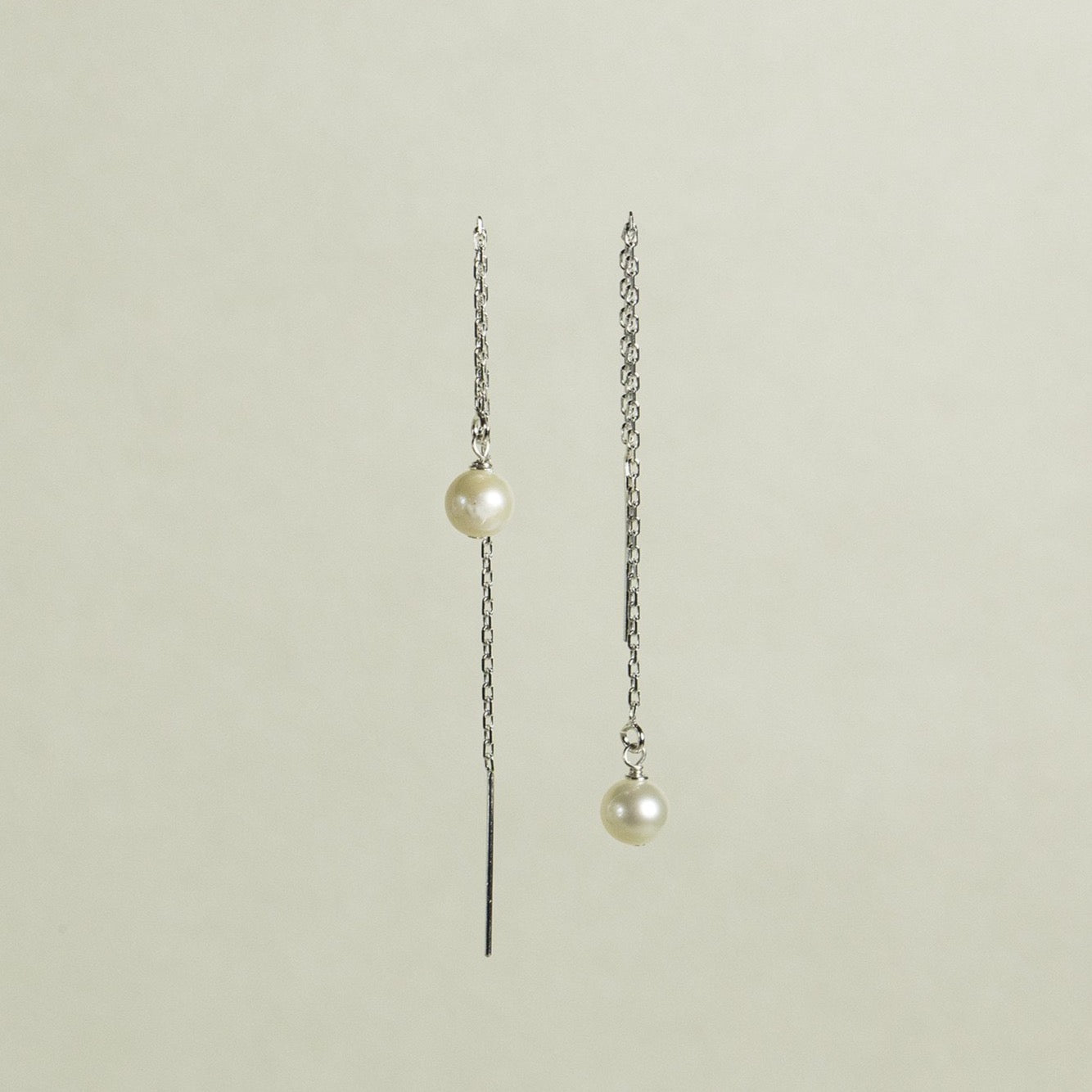 Thread-through Silver Pearl Earrings