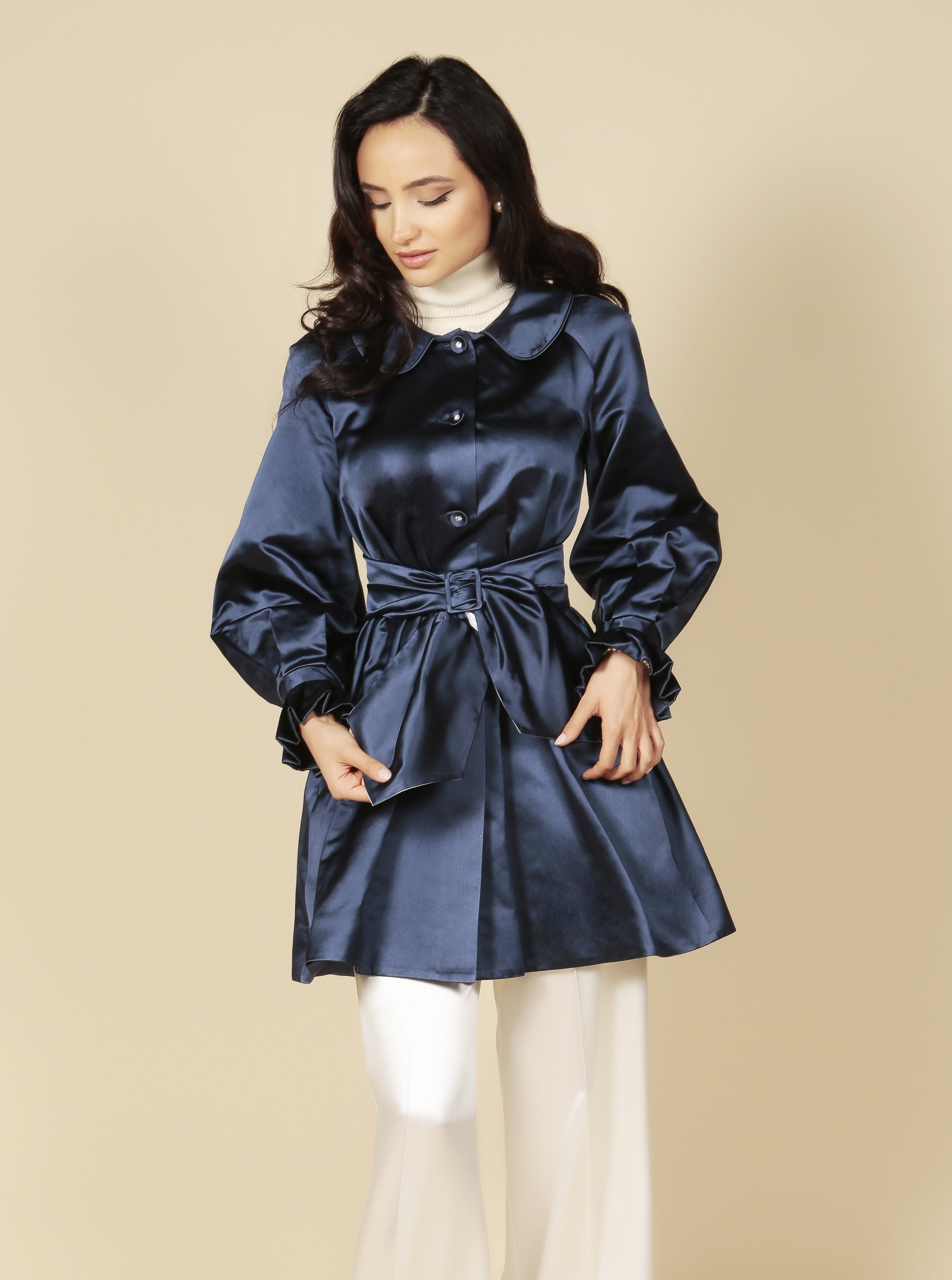 'La Dolce Vita' Silk Duchess Evening Coat in Zaffiro