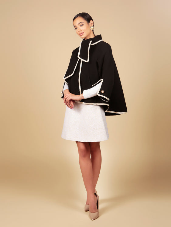 'Paris When It Sizzles' 100% Wool Shawl Coat in Nero
