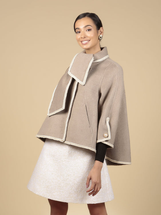 'Paris When It Sizzles' 100% Wool Shawl Coat in Grigio