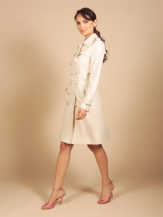 'Belle Du Jour' 100% Leather Trench Coat in Crema