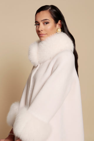 'Gone With the Wind' 100% Wool and Faux Fur Cape Coat in Bianco