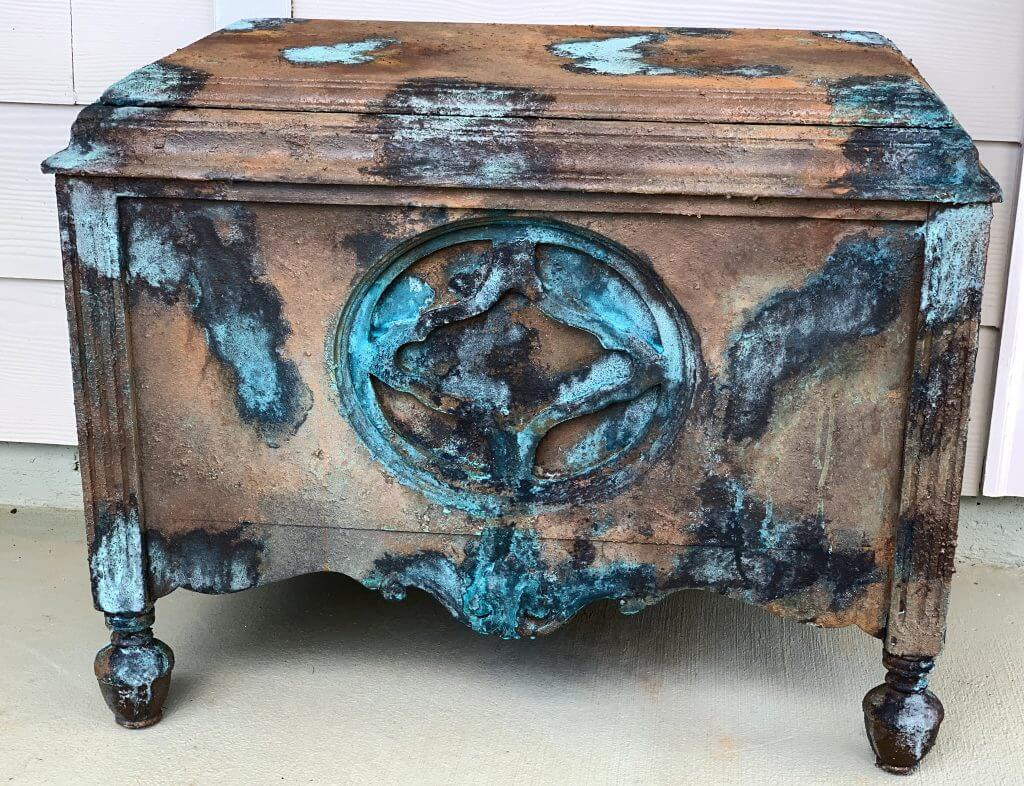 painted furniture, paint furniture, chalk paint, chalk painted furniture, patina paint, rusty paint, how to paint furniture, paint old furniture, how to paint old furniture, dixie belle, dixie belle paint, chippie vintage, chippie vintage junkie, ocean chic, rusty look, rusty gold