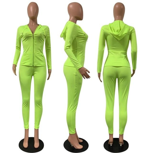 2 Piece Long Sleeve Set Ginger green color -model view