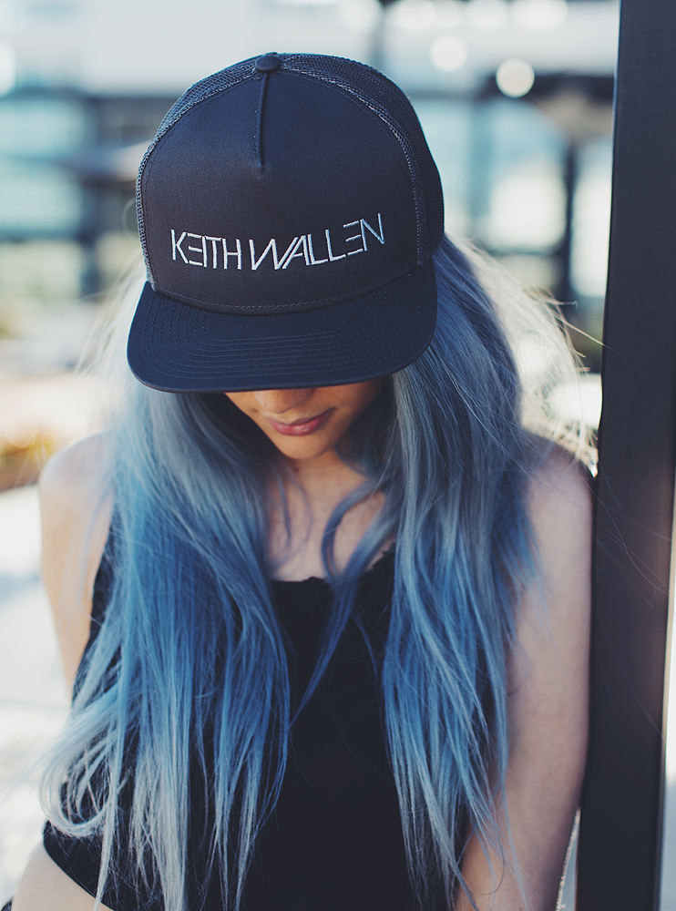 Mesh Back Grey/Black Snapback