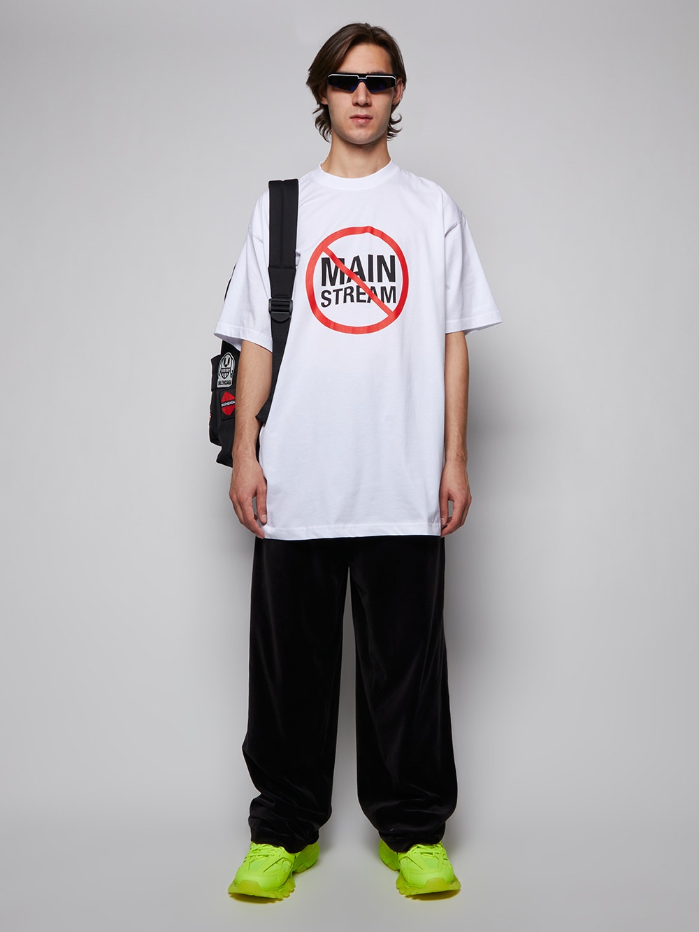 White No Main Stream Logo T-shirt