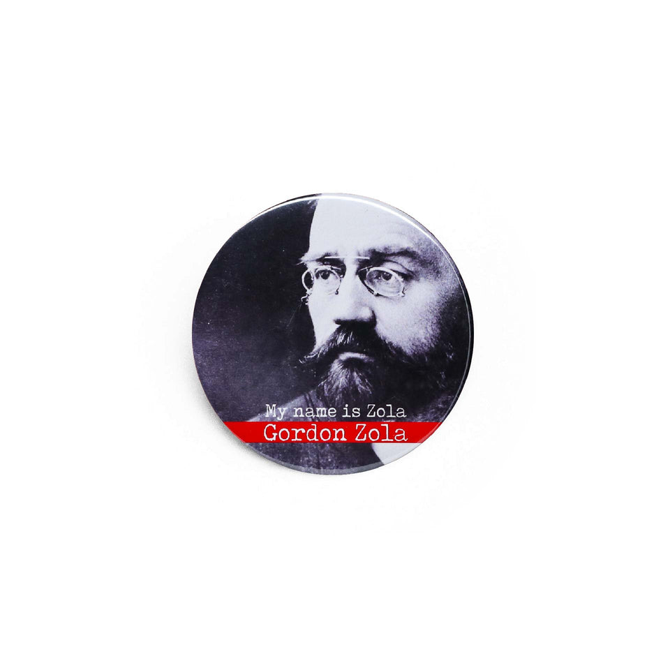 Badge et magnet Zola de Red Orb Creations