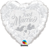 "18"" HEART JUST MARRIED PRL WHITE & SILVER"