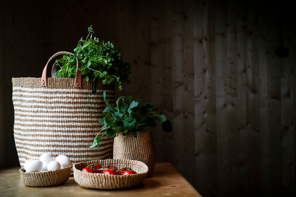 Thin stripe baskets for storaging