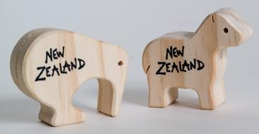 Kiwi Post Card Stand & Magnet